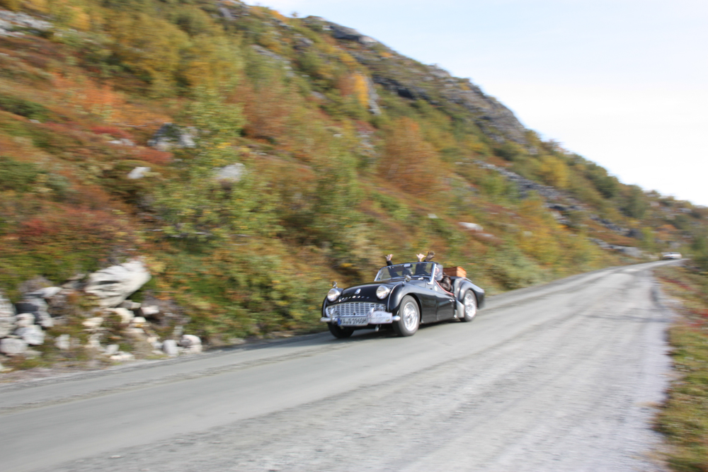 Driving down the Old Strynefjell Road